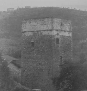 torre prima del restauro