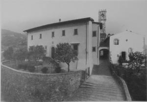 Vista del Palazzo comunale,Canonica e Torre